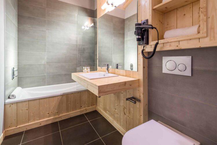 Chalet Alpinium 1 - Bathroom